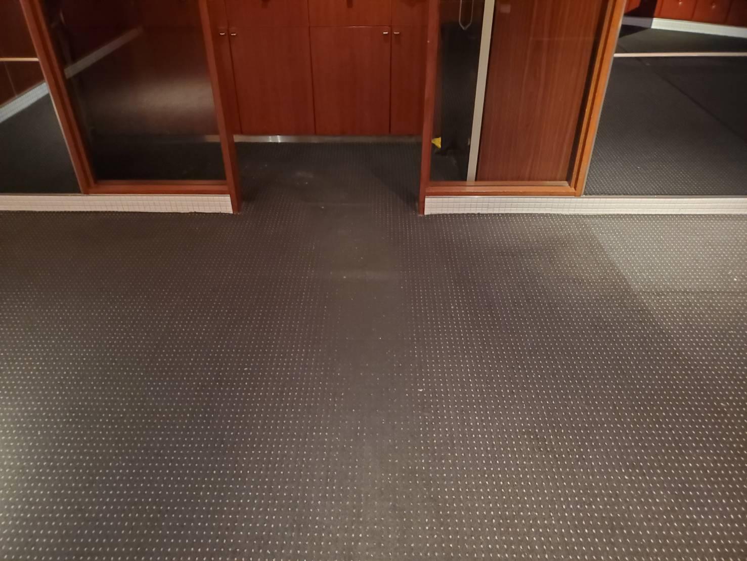 カーペット床面クリーニング、ケモノ道汚れ